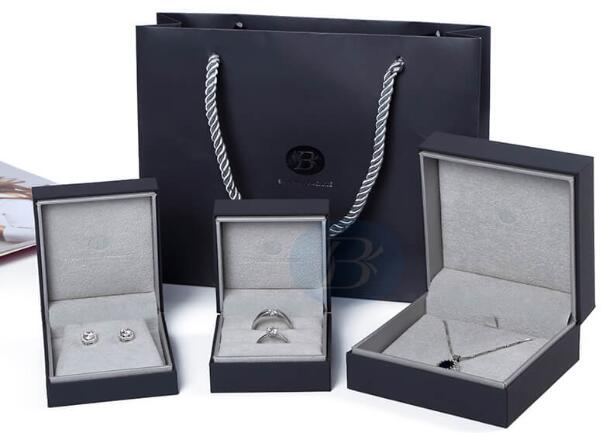 custom jewelry box packaging