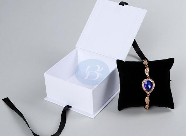unique jewelry packaging