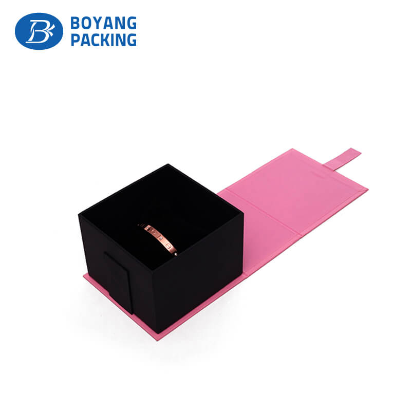 customized pink luxury gift packaging boxes