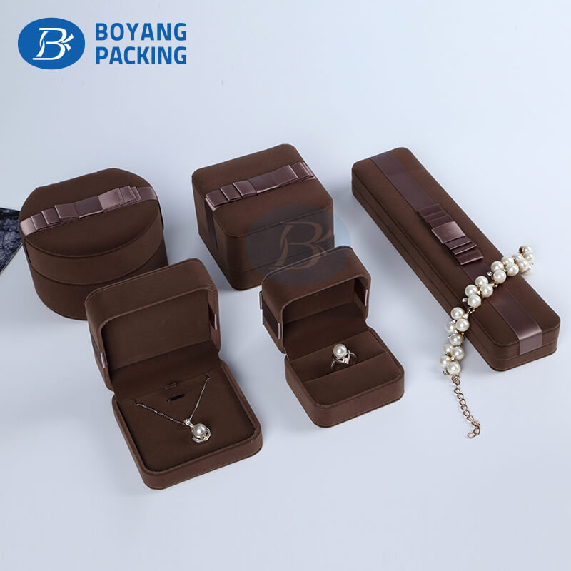 inexpensive velvet boxes wholesalers,china package box factory