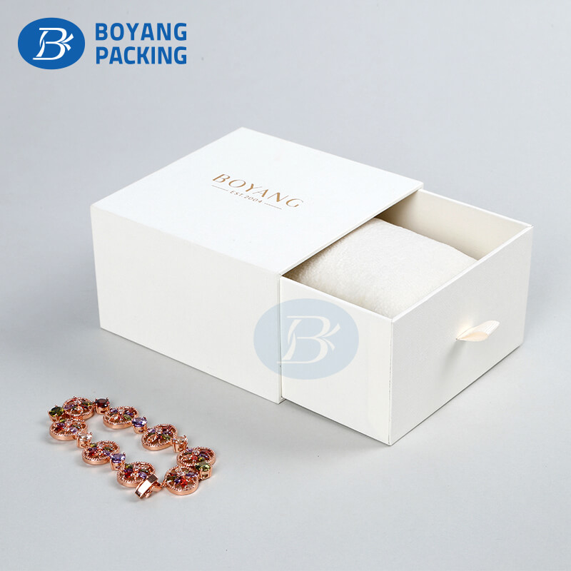 jewellery box manufacturer