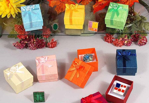 Different colors and styles of jewelry boxes wholesale