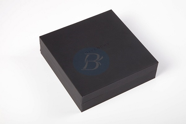 What are the requirements for making a black gift box