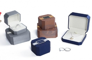 The significance of custom jewelry boxes